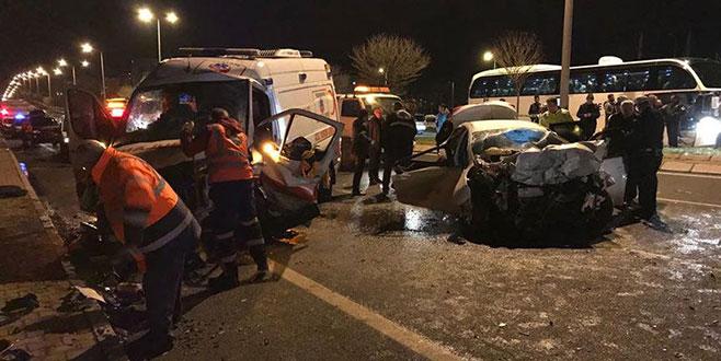 Ambulans ile otomobil çarpıştı: 6 ölü, 2 yaralı