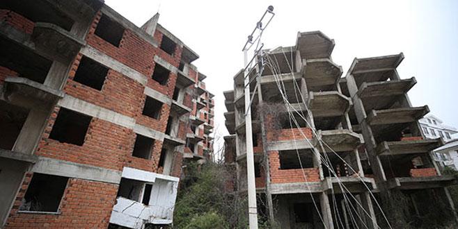 Çınarcık'ta toprak kayması nedeniyle evler boşaltılıyor