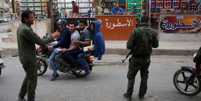 Münbiç'te skandal görüntüler! YPG'liler kimlik kontrolü yaptı