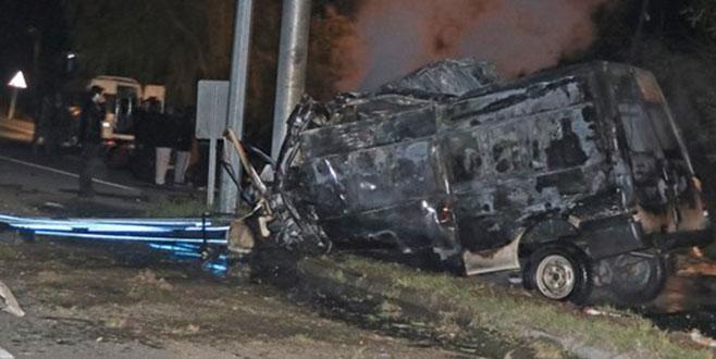 Kaçak göçmenleri taşıyan minibüs kaza yaptı: 17 ölü, 36 yaralı