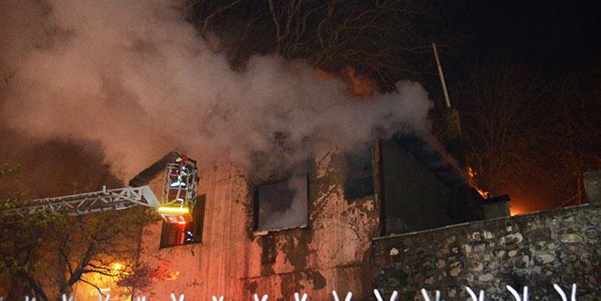 Kütahya'da tescilli tarihi binada yangın