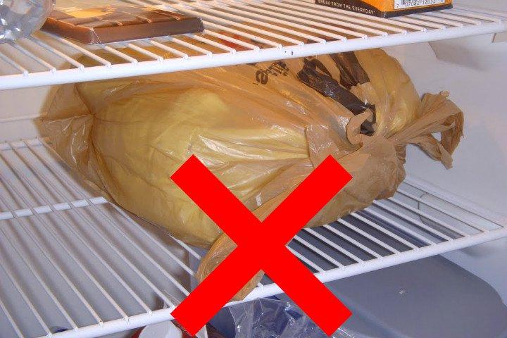Ekmek bozulmasın diye asla buzdolabına koymayın!