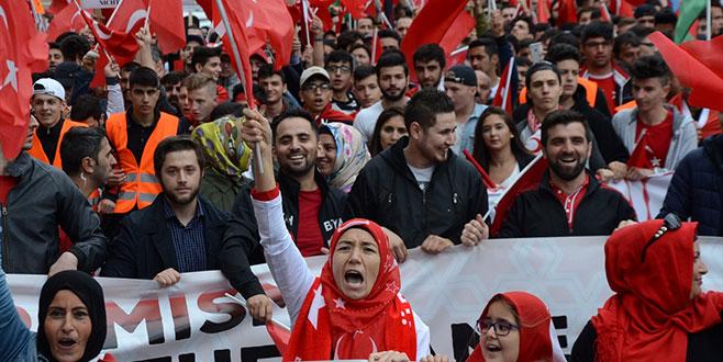 'Türklere sınırdışı'