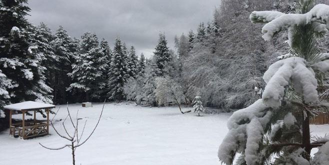 Bahar ortasında Uludağ beyaza büründü!
