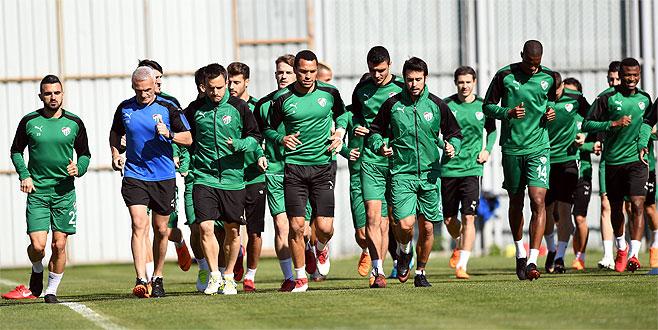 Bursaspor'da Jorquera takıma döndü