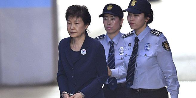 Eski Güney Kore liderine 24 yıl hapis