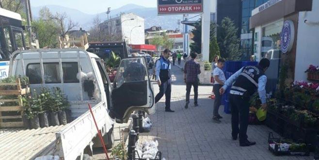 Bursa'da seyyar satıcılara geçit yok