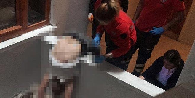 Arkadaşının oturduğu apartmanda kanlar içinde bulundu!