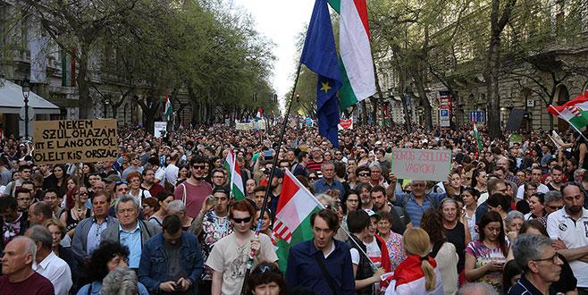 Macarlar ayaklandı