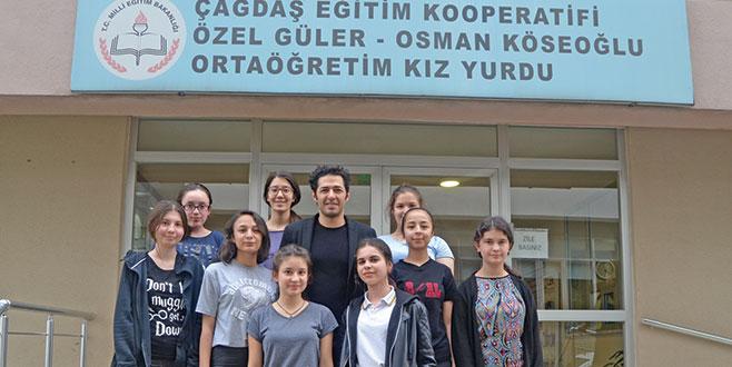 Ünlü oyuncu 'hayırlı' bir iş için Bursa'da