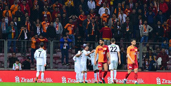 Galatasaray'dan kupaya 'Buruk' veda