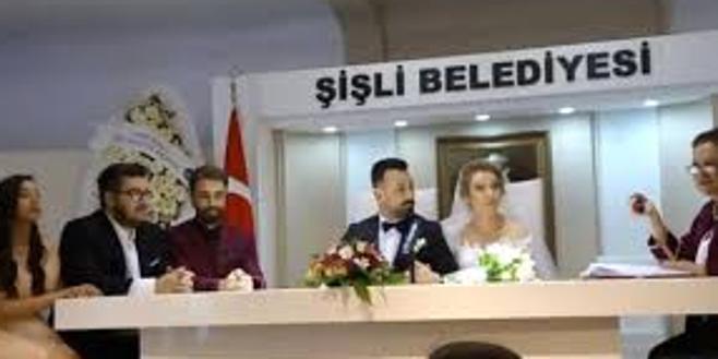 Ünlü oyuncu 3. kez evlendi! Tanıdık isim şahitlik yaptı