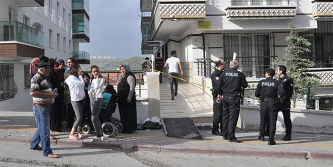 Ankara'da kan donduran olay! Annesini bıçaklayıp bebeğini…