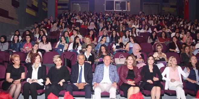 Uğur Okulları'ndan öğretmenlere konferans