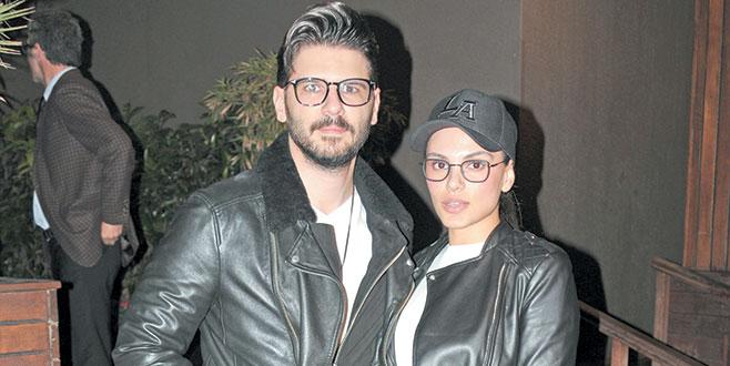 Gözlüklü çift
