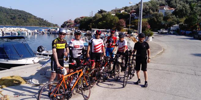 Bursa'dan Midilli'ye bisikletle gittiler