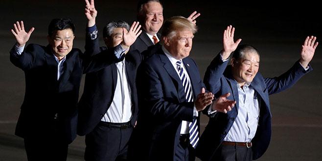 Serbest bırakılan 3 ABD vatandaşını Trump karşıladı