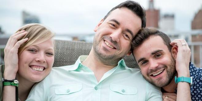 Şaşırtan üçlü ilişki! Sevgilisini, sevgilisinin kocasıyla paylaşıyor