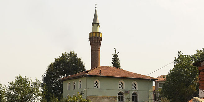 Üç kuzular önce tartıştılar sonra Emir Sultan'ın peşine düşüp Medine'den Bursa'ya geldiler