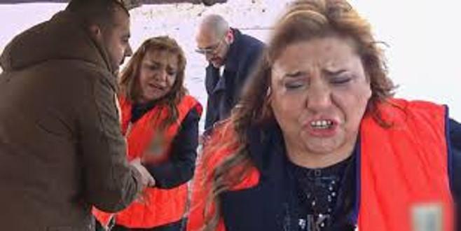 Ünlü şarkıcının zor anları! Gözyaşlarına hakim olamadı