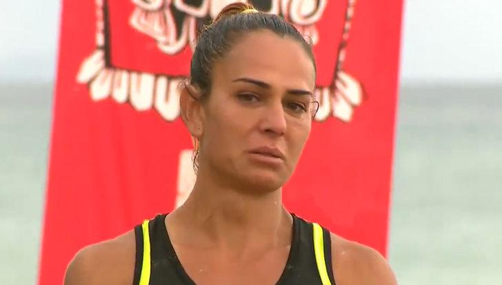 Survivor'da Nagihan sevenlerinden ağlayarak özür diledi