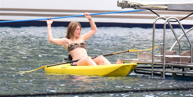 Bikinili fotoğrafları sosyal medyayı salladı