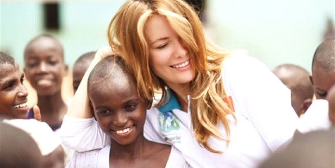 Gamze Özçelik'ten anlamlı hareket! Afrika'da şehitlerimizi yaşatacak