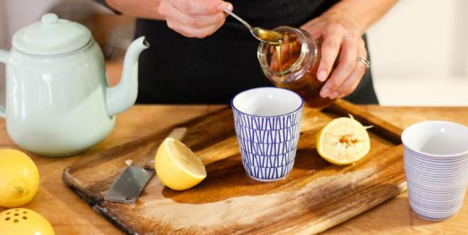 Neden her sabah aç karnına bir bardak ballı su içmelisiniz?