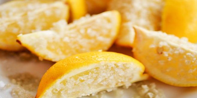 Limonun faydaları saymakla bitmiyor! Üzerine 2 çay kaşığı tuz dökerseniz…