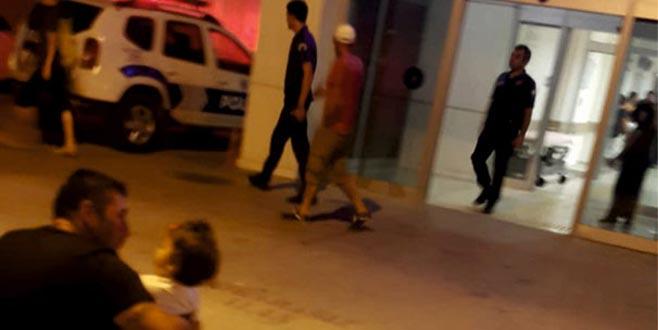 Turizm merkezindeki hastanede hareketli dakikalar! Kadın doktorun yakasına yapışınca…