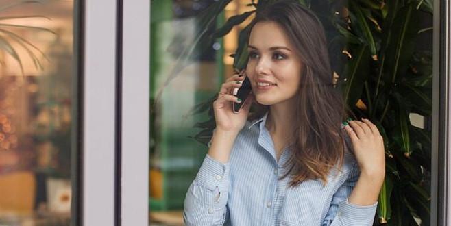 Sesimiz telefonda neden bize garip geliyor? Aslında farklı bir sese mi sahibiz?