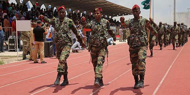 Türkiye Somali askerlerini eğitmeye devam ediyor