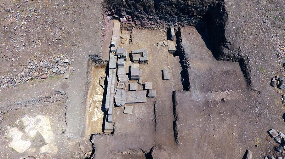 'Aristios ailesi'nin 2 bin 300 yıllık mezarı bulundu