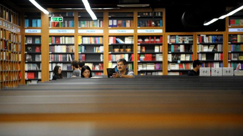 Avrupa'nın en büyük kitabevinde tüm ürünlerde yüzde 10 indirim