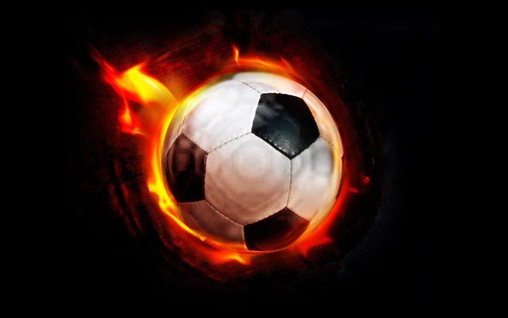 Dünyaca ünlü yıldız 3. kez futbolu bıraktı