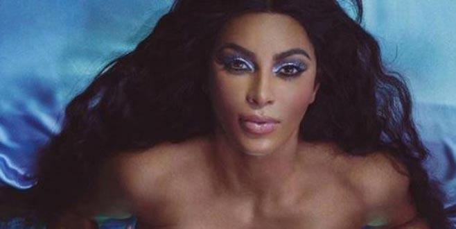 Kim Kardashian, yeni ürünleri için soyundu!