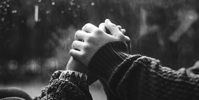 'Belki aşk sevgiliyi kazanmayı değil, onda kendini kaybetmeyi gerektirir'