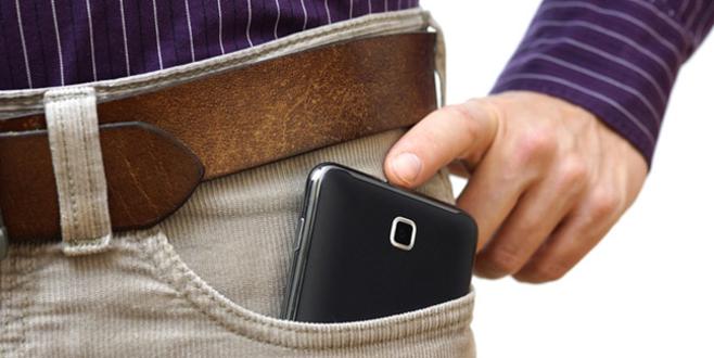 Cep telefonunu cebinde taşıyanlar dikkat!