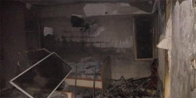 Otelde yangın: 2 kişi dumandan etkilendi