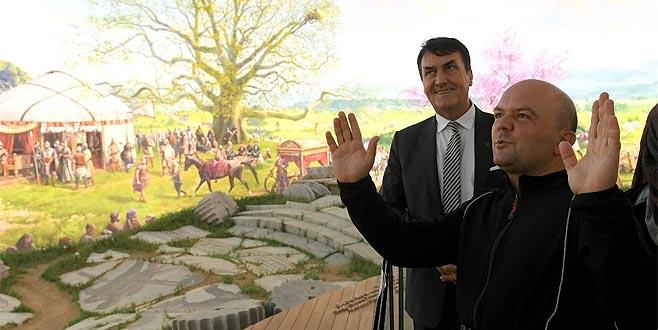 Tarihçi Uğurluel'den 'Panorama 1326' yorumu
