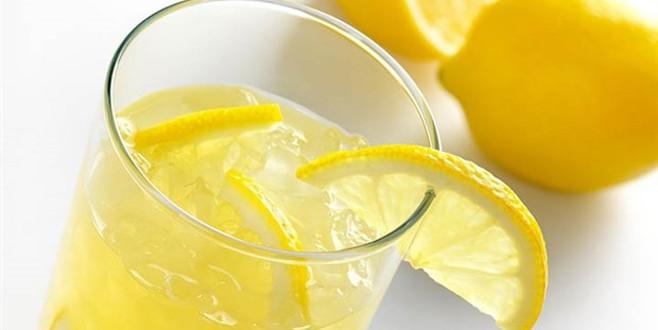 Her gün 1 bardak limonlu su ve vücutta yarattığı 13 değişiklik!