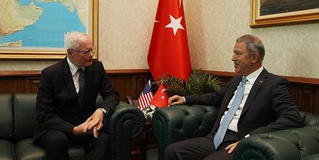 Akar, ABD Suriye Özel Temsilcisi'yle bir araya geldi