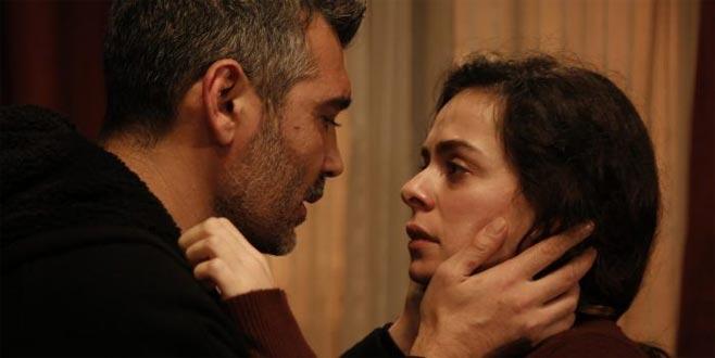 Özge Özpirinçci'nin dudağını uçuklatan sahne… Kadın dizisinden flaş tüyo geldi!