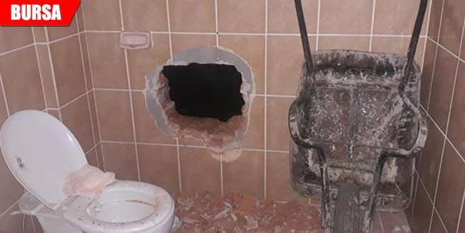 Hırsızlığın bu kadarına da pes! Evin duvarını delip…