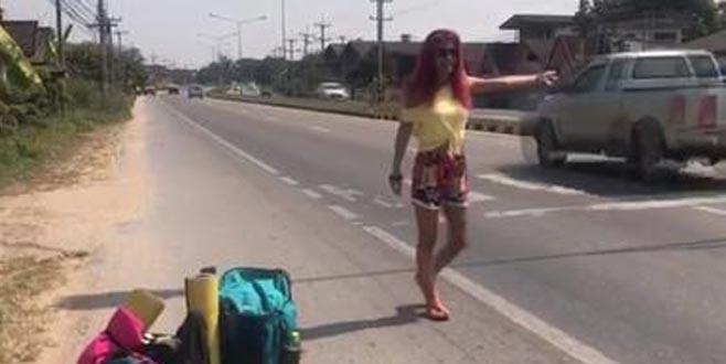 Sperm bankasına başvurarak anne olan ünlü oyuncu otostop ile Uzakdoğu'yu geziyor!