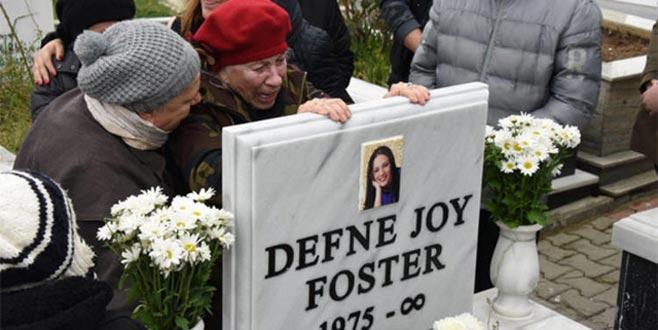 Defne Joy Foster'ın annesi Hatice Foster gözyaşlarına boğuldu!