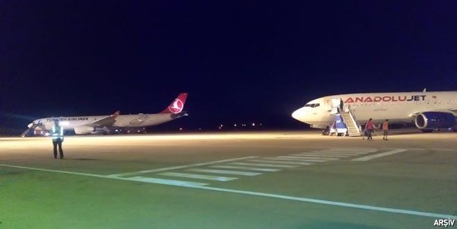 İstanbul'a inemeyen uçaklar Bursa'ya yönlendirildi