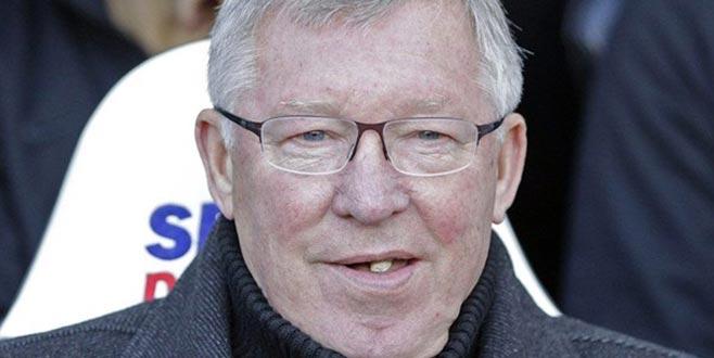 Ferguson'un son maçta çiğnediği sakız rekor fiyata satıldı!
