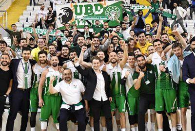 Bursaspor Basketbol'un Manisa'da şampiyonluk coşkusu