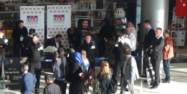 Ünlü isme Bursa'da hayran şoku! 15 dakikada bitti